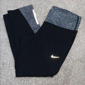 Nike Dri-Fit Workout Capri Pants Reflective Small